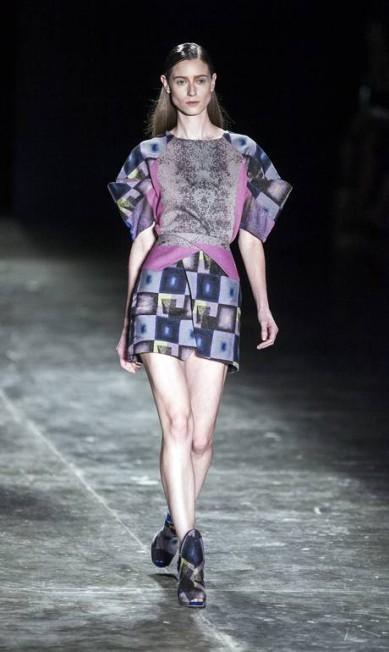 O contraste proposto pela estilista também aparece nas formas: às vezes, secas e curtas. Às vezes, oversized Leonardo Soares / Agência O Globo