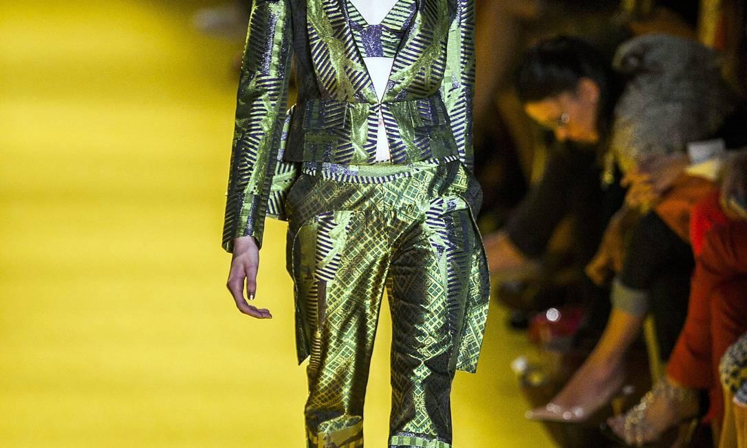O peplum apareceu apenas na parte de trás de casaquetos e blazers. Leonardo Soares /O Globo