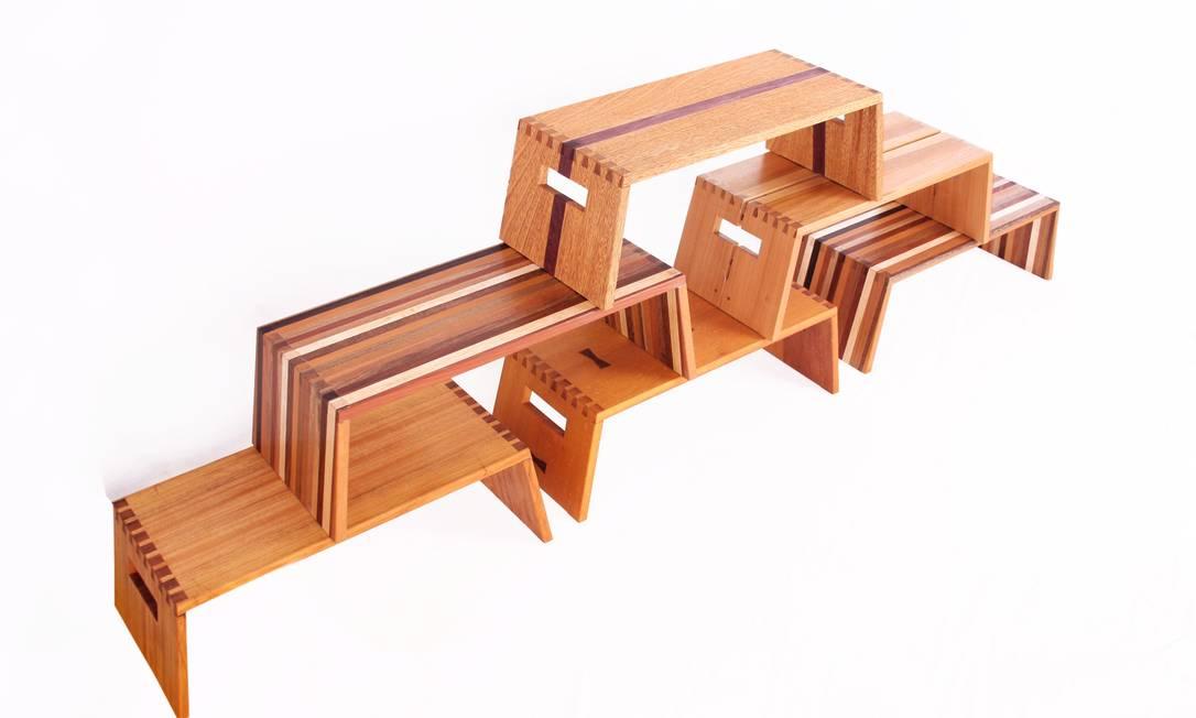 Restos de madeira nos banquinhos Pirralhos, de Ricardo Graham Ferreira: nenhum deles é igual ao outro Terceiro / Divulgação