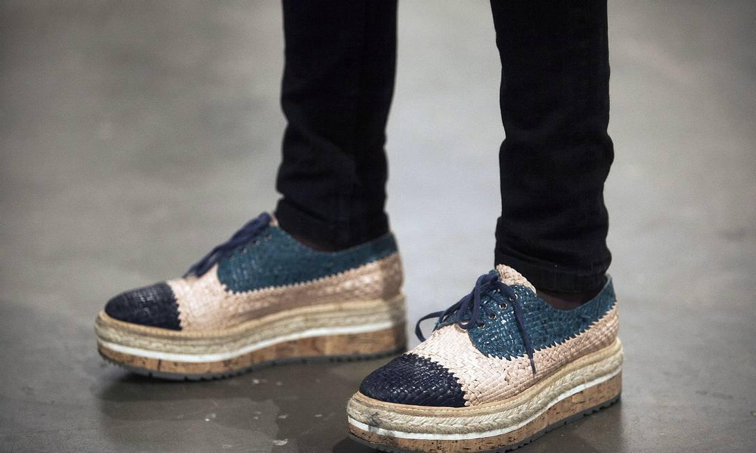 A modelo Natalia Zambiasi, 21, escolheu um calçado da Prada Leonardo Soares /O Globo