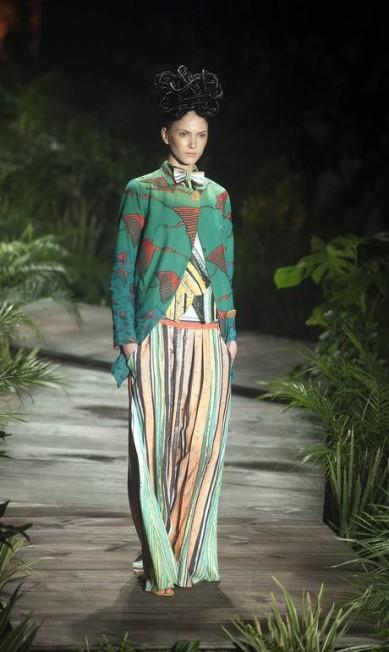 O estilista mostrou peças baseadas na alfaiataria dos anos 1920 Leonardo Soares/Agencia O Globo