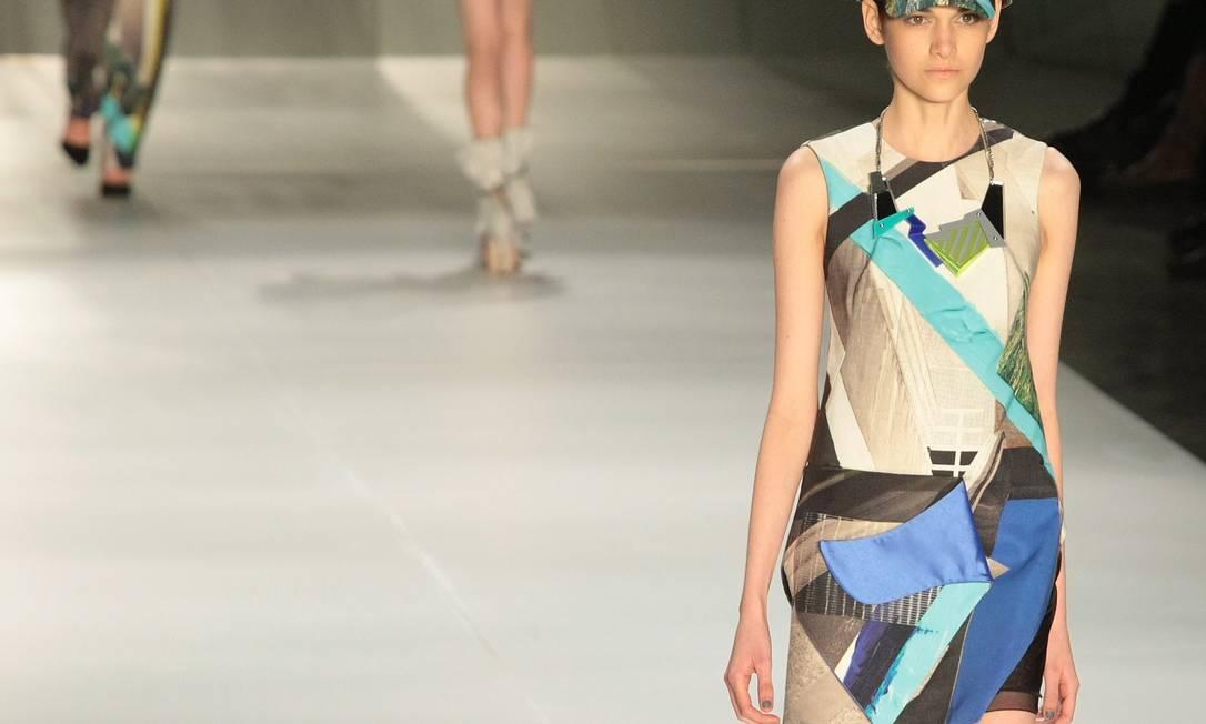 A marca mostrou vestidos, shorts e macacões com estampas de jacquard Marcos Alves/Agencia O Globo