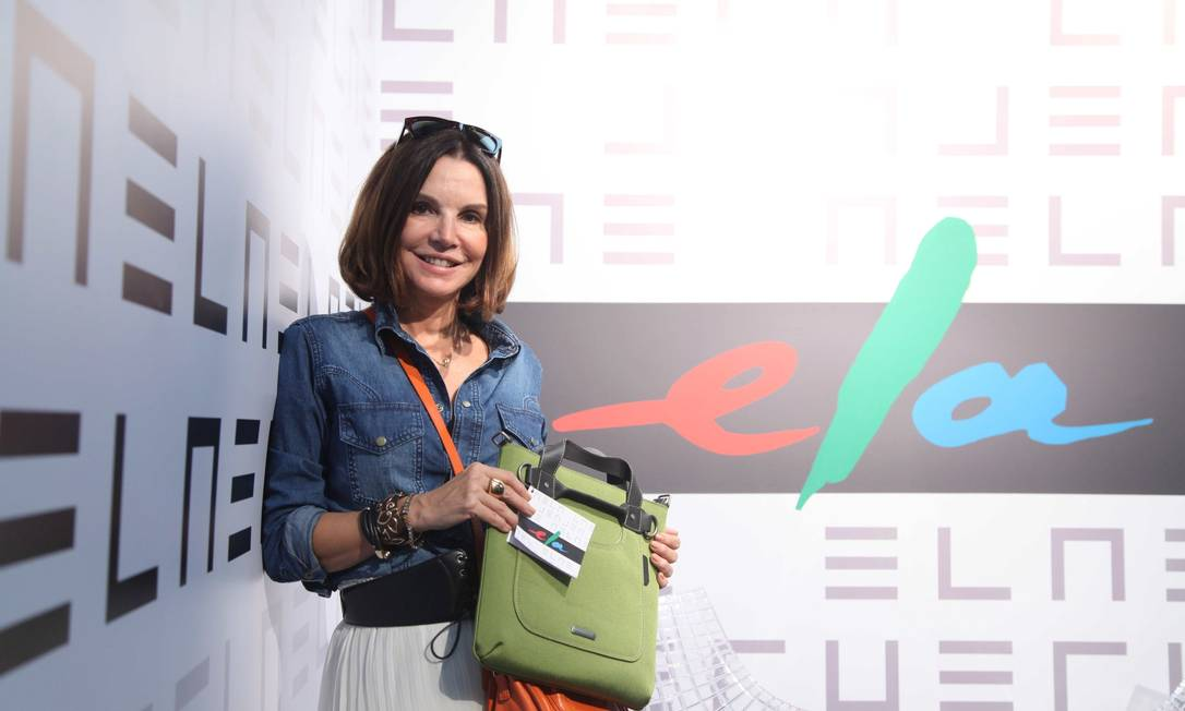 Patricia Mayer com a bolsa brinde no Espaço Ela Ana Branco / Ana Branco / Agencia O Globo