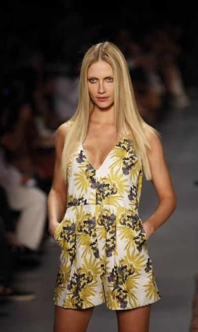 Ana Claudia Michels foi a única modelo profissional do desfile Fabio Rossi / Fabio Rossi / Agência O Globo