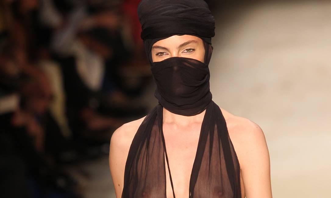 A pegada tuaregue no desfile de Herchcovitch Alexandre Cassiano / O Globo
