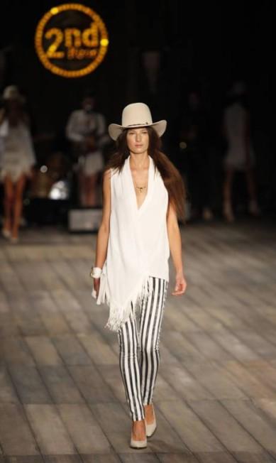Modelos usam chapéu de cowboy na releitura da cultura americana Fabio Rossi/O Globo
