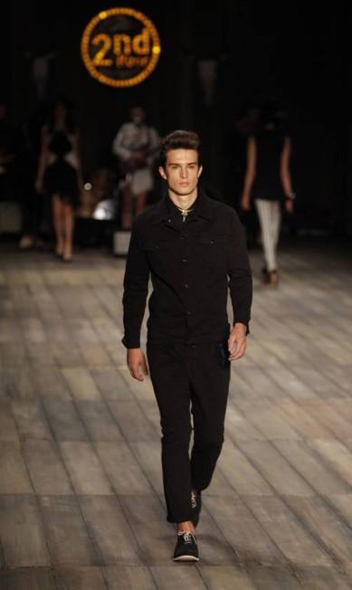 As calças masculinas no modelo cropped são uma tendência do verão Fabio Rossi / O Globo