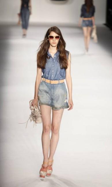 O jeans, como não poderia deixar de ser, dominou na coleção da marca Fabio Rossi / O Globo