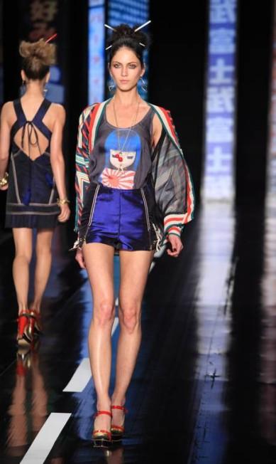 Bonecas japonesas como a fashionista Blythe também apareceram em camisetas Simone Marinho / Simone Marinho / Agência O Globo