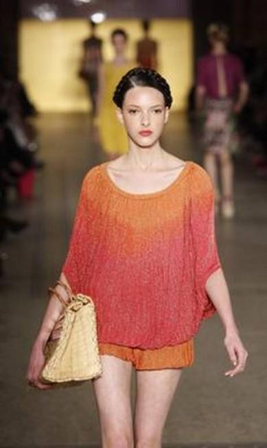 Os looks fazem um contraste entre o luxo e a simplicidade Fabio Rossi