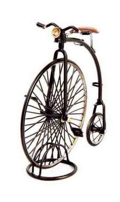 Bicicleta 1870 the high wheeler penny, na Le Paquet (11 3062-1510), R$ 200 Divulgação