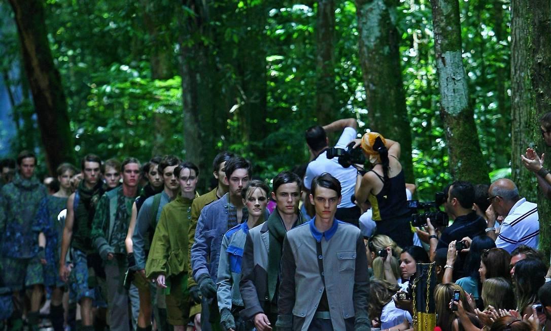 No outono-inverno de 2009, a Redley resolveu mostrar sua coleção em meio à Floresta da Tijuca André Coelho / Agência O Globo