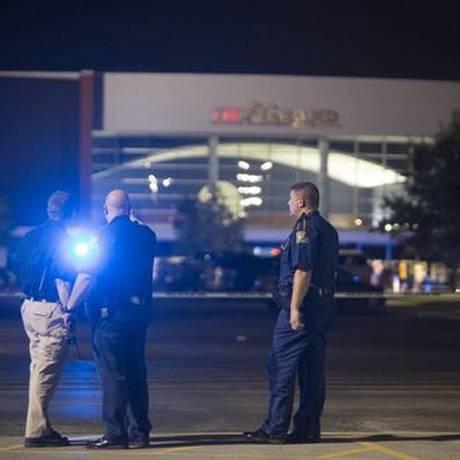 Investigação do tiroteio no Grand Cinema, em Lafayette, revela reações heróicas das vítimas Foto: Reuters