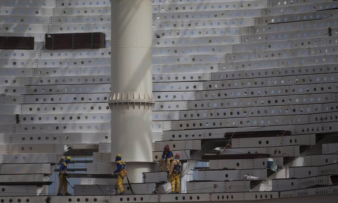 Furos na estrutura do Centro Aquático garantem ventilação natural dentro dos padrões olímpicos Alexandre Cassiano / Agência O Globo