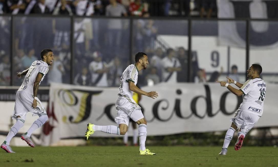 O Palmeiras demorou apenas três minutos para abrir o placar sobre o Vasco Alexandre Cassiano / Agência O Globo