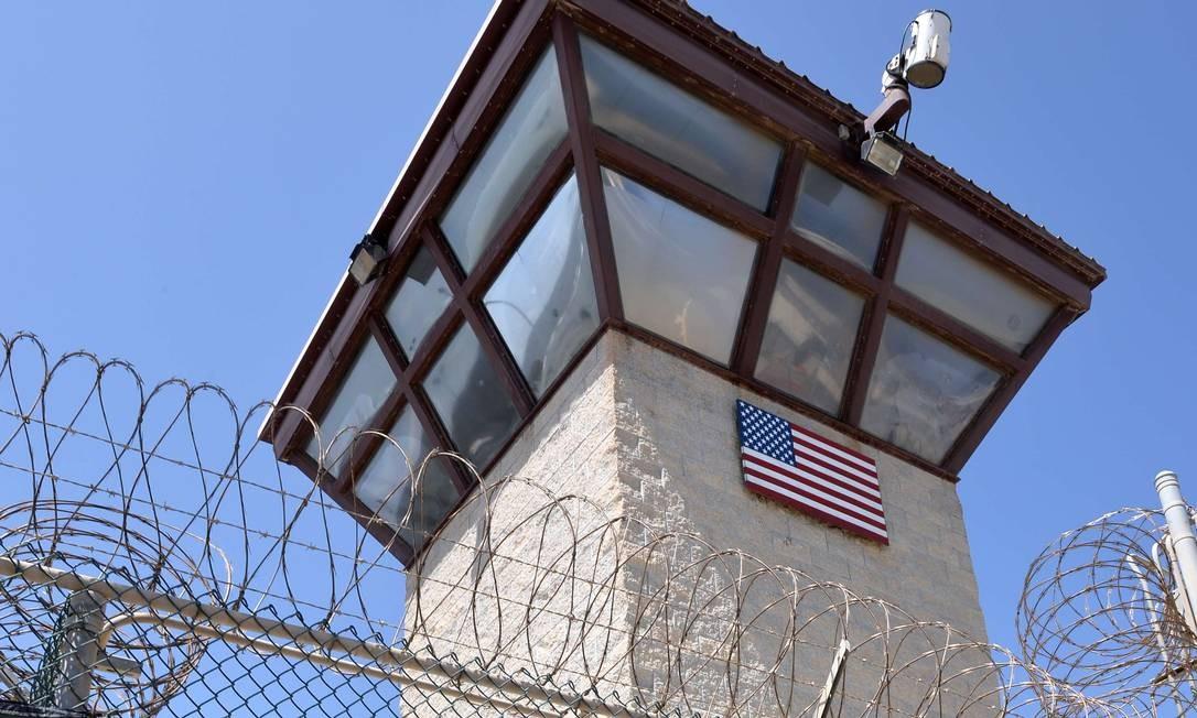 Guantánamo. Promessa do governo Obama, fechamento de base em Cuba pode incluir transferência de presos perigosos aos EUA Foto: MLADEN ANTONOV / AFP/8-4-2014