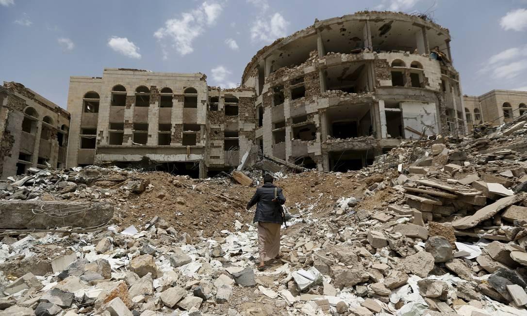 Militante houthi em Amran: desastre humanitário a caminho no Iêmen Foto: KHALED ABDULLAH / REUTERS