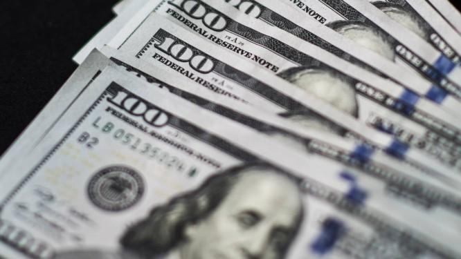 Notas de cem dólares Foto: Xaume Olleros / Bloomberg News/20-7-2015