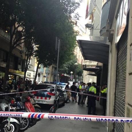 Suspeitos dispararam contra clientes de hotel na cidade espanhola de Barcelona Foto: Reprodução Twitter