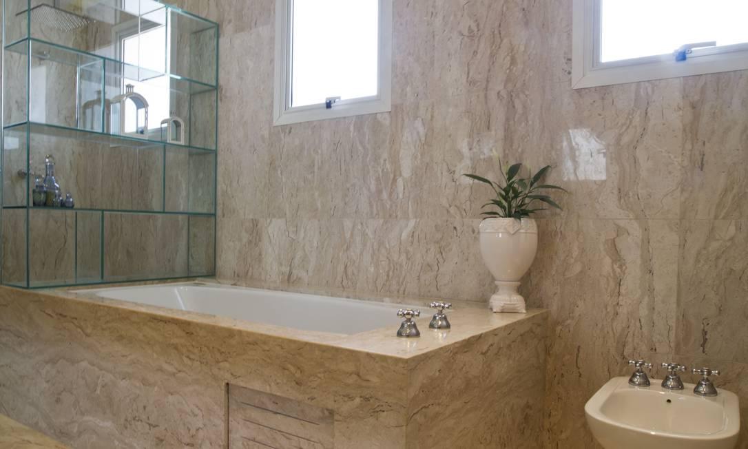 O projeto tem o mármore como revestimento principal Bruno Netto / Divulgação