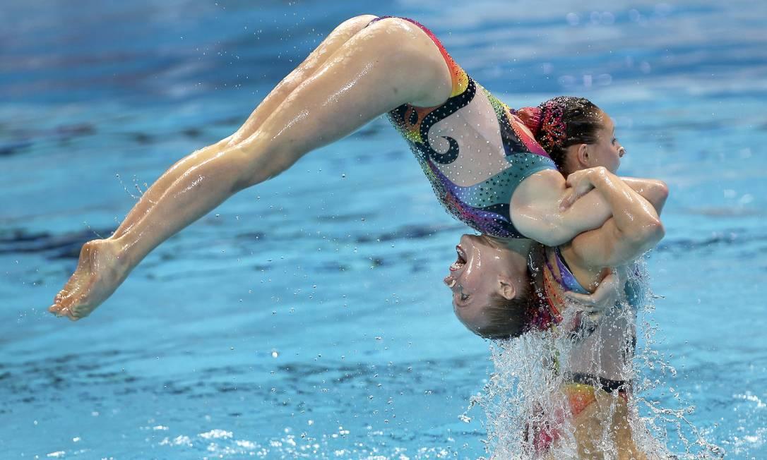 Equipe do Canadá durante as preliminares do nado sincronizado no Mundial de Esportes Aquáticos em Kazan, na Rússia Michael Sohn / AP