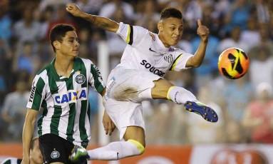 Neílton em ação pelo Santos Foto: Divulgação