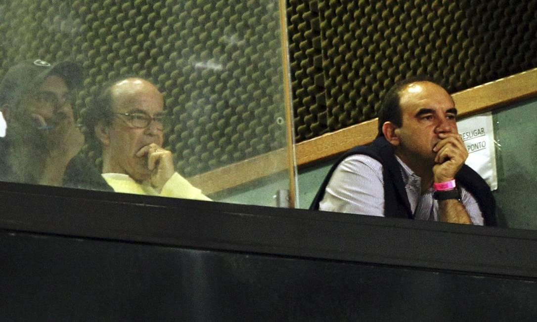 Ricardo Gomes, novo técnico do Botafogo, assiste ao jogo no Nilton Santos Cezar Loureiro / Agência O Globo