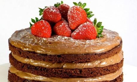 O bolo de chocolate com camadas de Nutella na confeitaria Kurt (2512-4943). Foto: Divulgação