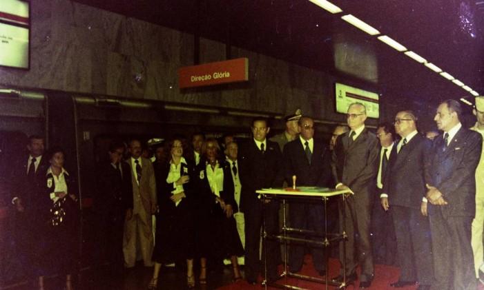 Cerimônia de inauguração do metrô contou com autoridades da época Foto: Divulgação: / Secretaria de Transportes do Estado do Rio