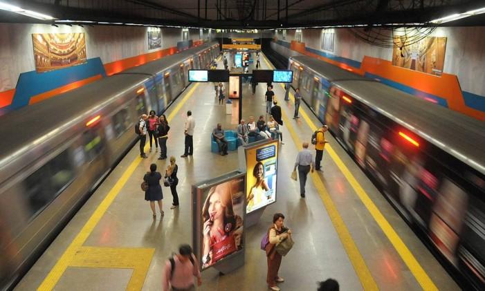 Trens trafegam pelos dois sentidos da estação Cinelândia Foto: Duvulgação / Metrô Rio