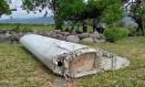 Imagem de vídeo mostra peça de destroço de um avião em Saint-Andre, na Ilha Reunião Foto: AP