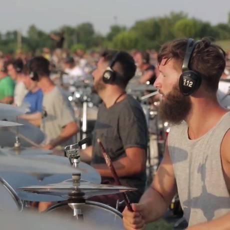A 'ala dos bateristas' em Cesena Foto: Reprodução