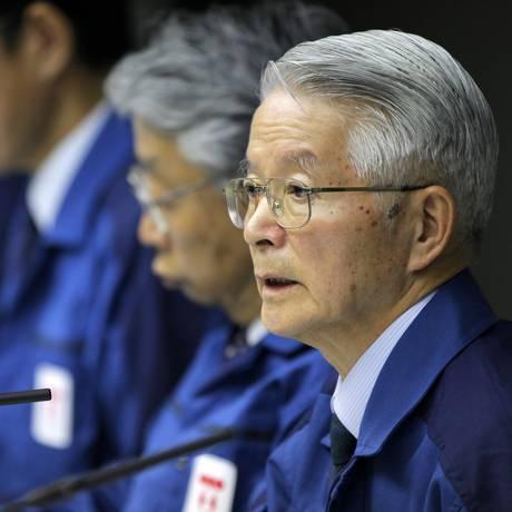 Presidente da Tokyo Electric Power Co (Tepco), Tsunehisa Katsumata fala durante uma entrevista coletiva na sede da companhia em Tóquio, em 30 de março de 2011 Foto: Itsuo Inouye / AP