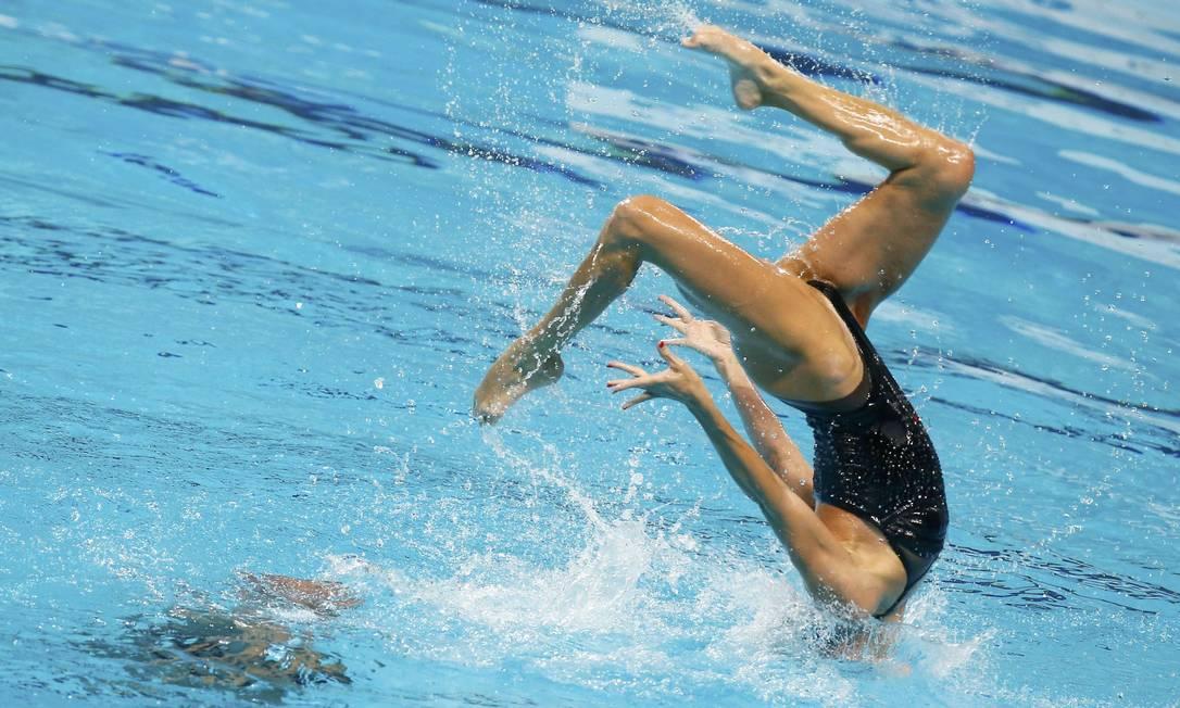 Benoit Yves Beaufils e Virgine Dedieu, da França, na final do nado sincronizado em duplas MICHAEL DALDER / REUTERS