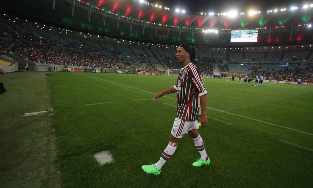 O camisa 10 do Flu vai ao banco de reservas rival antes de a bola rolar Márcio Alves / Agência O Globo