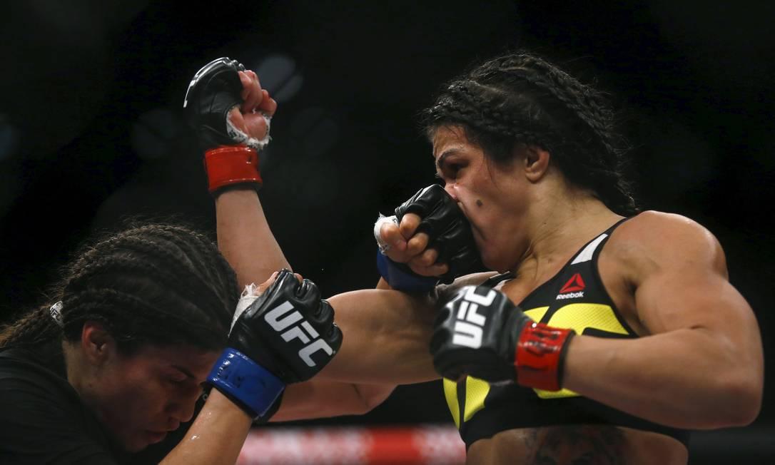 Outra vitória do Brasil veio com Claudia Gadelha, à direita, que... RICARDO MORAES / REUTERS