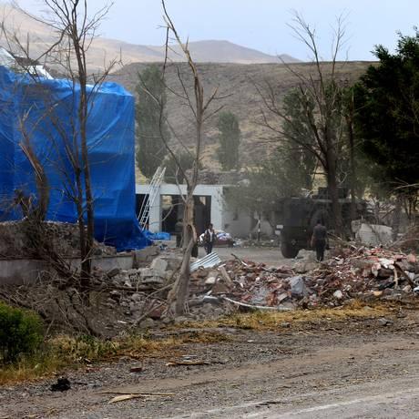 Atentado destrói posto militar na cidade de Dogubeyazit Foto: STR / AFP