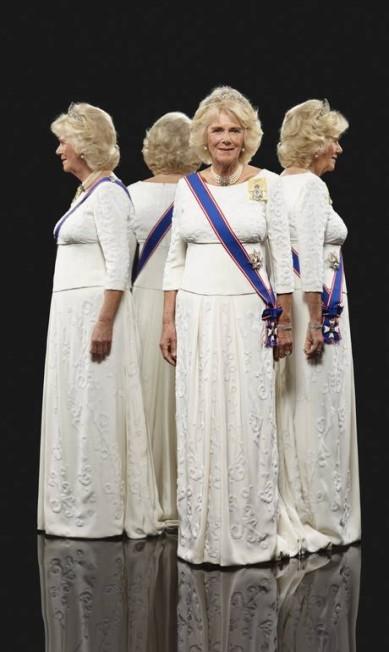Camilla Parker Bowles, a duquesa da Cornualha, também foi retratada. A foto da mulher do príncipe Charles foi feita em junho deste ano Hugo Rittson-Thomas / AP