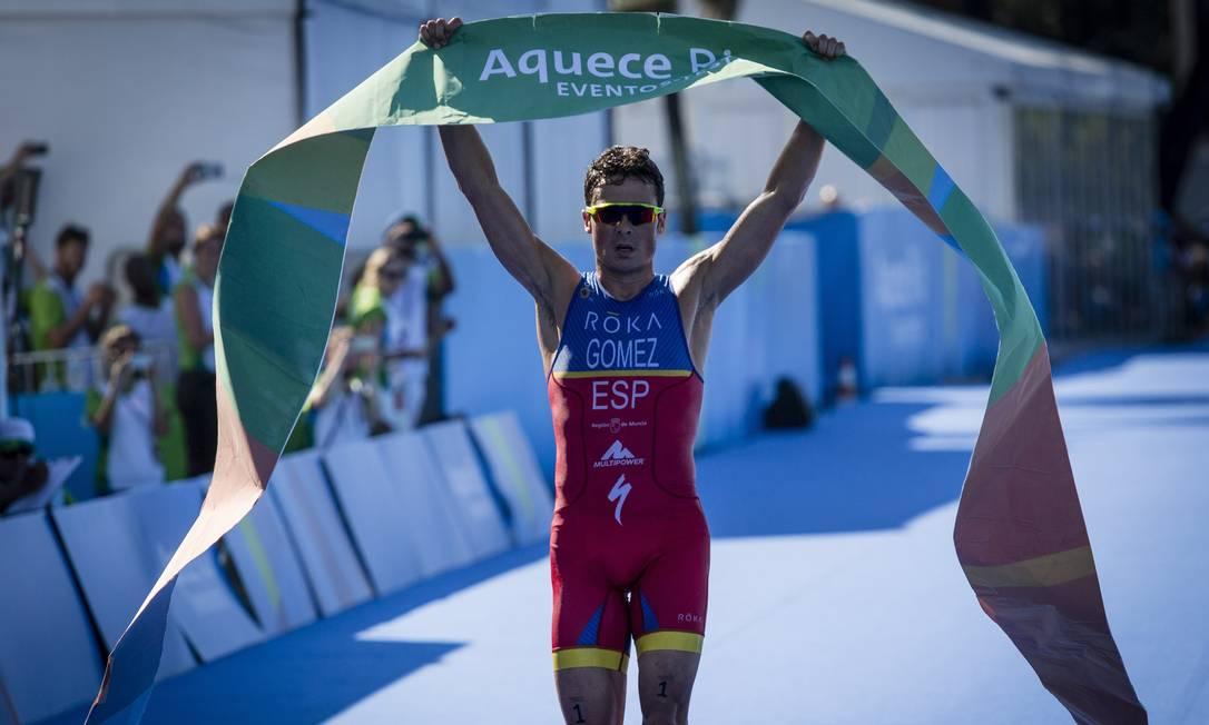 O espanholJavier Gomez foi o campeão da prova masculina Fernando Lemos / Agência O Globo