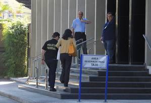 Também nesta manhã, a Policia Federal realizou busca na empresa de software Consist em São Paulo. A companhia depositou R$ 10, 7 milhões na conta da empresa Jamp, que estaria envolvida no pagamento de R$ 1,45 milhões em propina a Dirceu, segundo a Polícia Federal. Foto: Marcos Alves / Agência O Globo