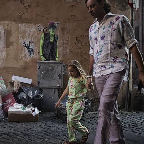 Lixo e obras são cena comum em Roma Foto: NADIA SHIRA COHEN / NYT