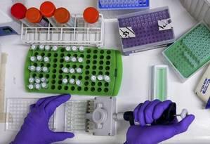 Processo agrega hidrogéis e nanopartículas incorporadas com medicamentos Foto: STEFAN WERMUTH / REUTERS