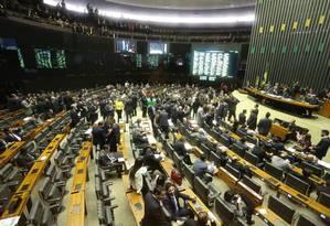 Câmara durante aprovação do regime de urgência para análise das contas anteriores Foto: André Coelho / Agência O Globo