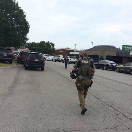 Forças policiais entraram no local após alerta Foto: Reprodução