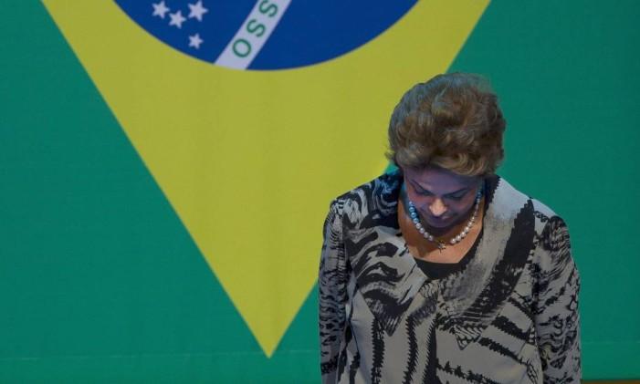 A presidente Dilma Rousseff em cerimônia no Rio Foto: Alexandre Cassiano / Agência O Globo