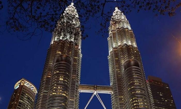 Petronas Twin Tower, em Kuala Lumpur, na Malásia Foto: Instagram / @gustavofeijo
