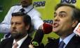 O líder do PSDB, senador Cássio Cunha Lima (à dir), e o deputado Carlos Sampaio defendem novas eleições para tirar país da crise