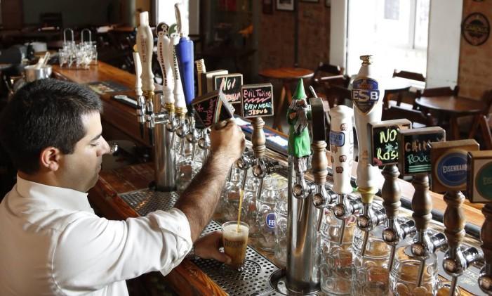 O Botto Bar, na Praça da Bandeira Foto: Mônica Imbuzeiro / Mônica Imbuzeiro