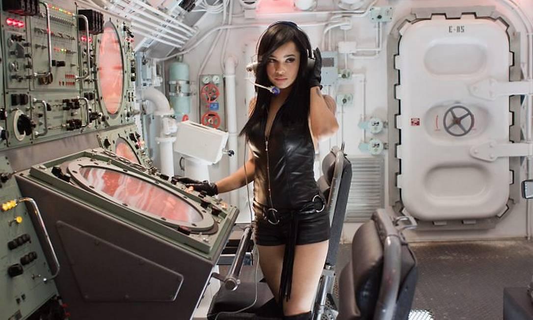 Zoe, filha do roqueiro Lenny Kravitz, já tem 26 anos e mostra que puxou os atributos físicos do pai e da mãe, a atriz Lisa Bonet Divulgação