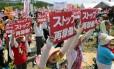 Antinuclear. Manifestantes realizam protesto contra reabertura da usina de Sendai. Governo japonês espera ressuscitar uso da energia nuclear no país, quantro anos após tragédia